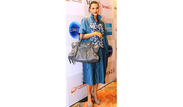 Celebrity Style De Coded Get The Neha Dhupia S Quirky Look